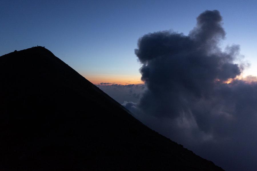 Fumée du volcan Stromboli, Sicile