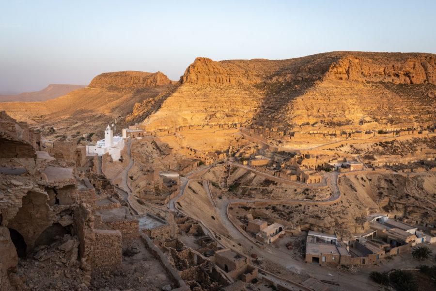 Coucher de soleil sur Chenini, Tunisie