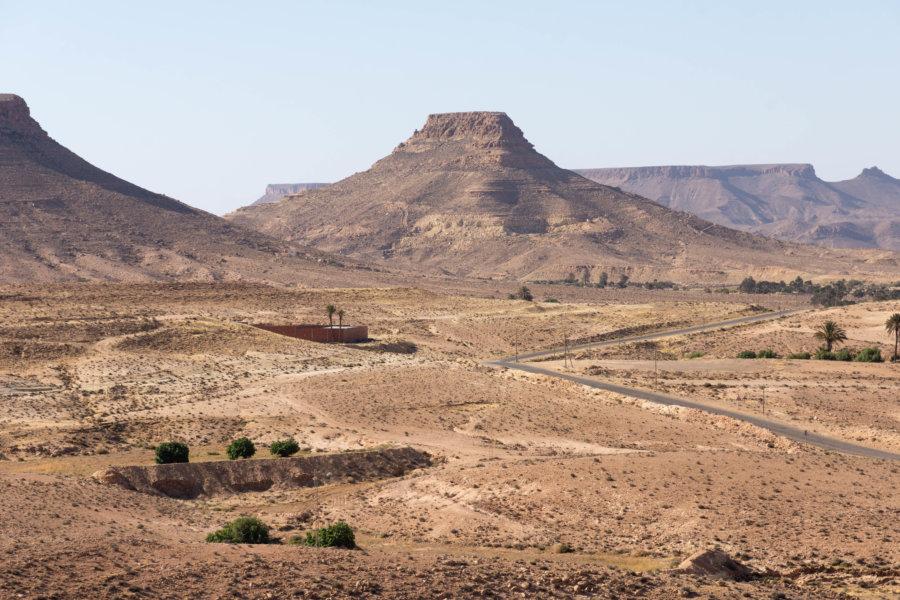 Montagnes vers Tataouine et Douiret, Tunisie