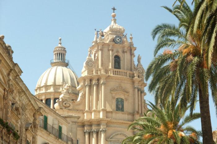 Église de Raguse, Voyage en Sicile