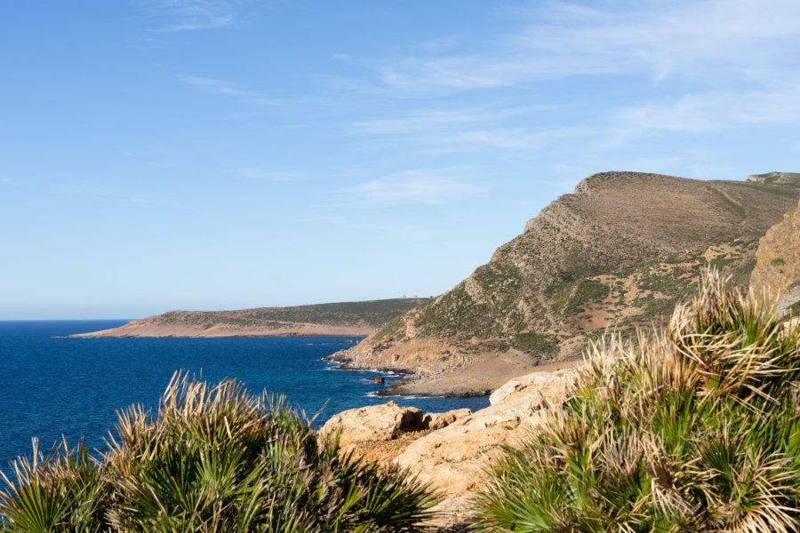 Paysage de mer et de montagne au Cap Bon