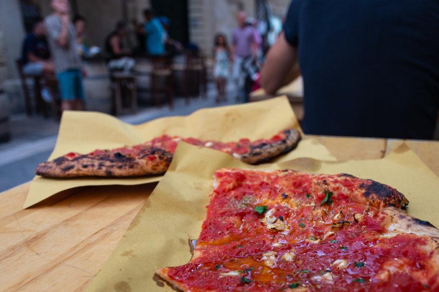 Pizza marinara à Lecce, Italie