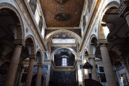 Intérieur de la cathédrale de Gallipoli en Italie