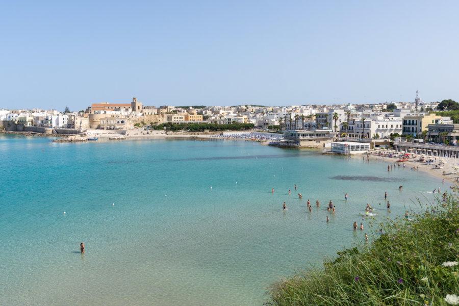 Plage d'Otranto dans les Pouilles, Italie