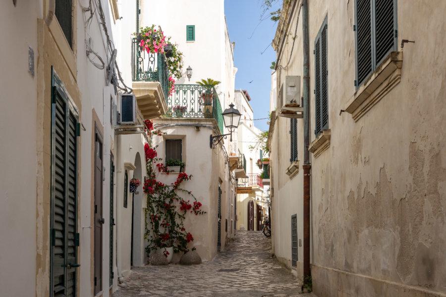Rue de la ville d'Otranto, Salento, Italie