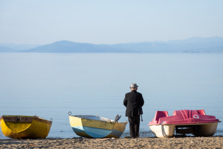 Barques au lac de Pogradec en Albanie