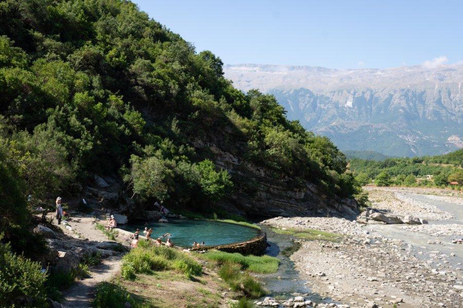 Piscine naturelle à Benje, Albanie
