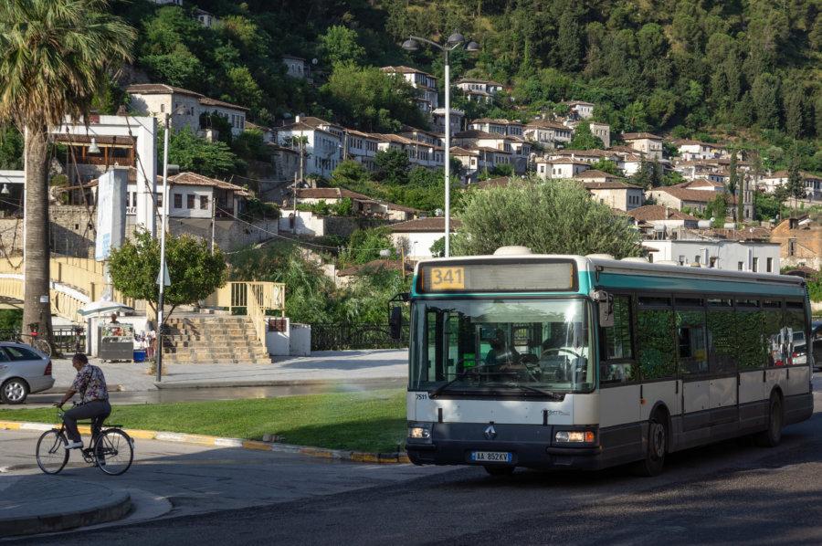 Bus RATP à Berat en Albanie