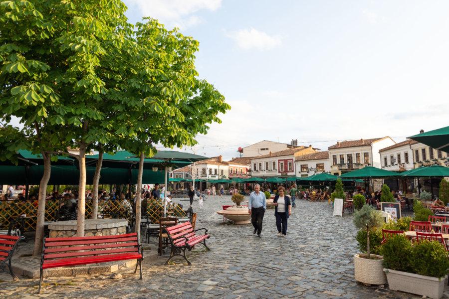Old bazar à Korçë en Albanie