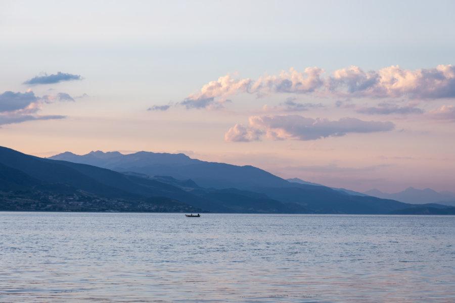 Lac de Pogradec en Albanie