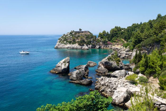Paysages d'Albanie en bord de mer
