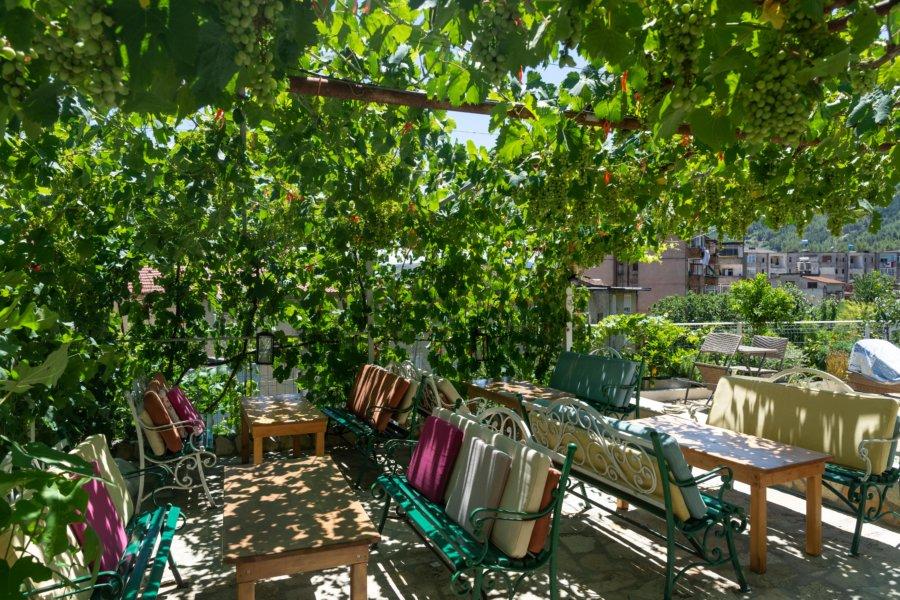Terrasse et vignes à Përmet