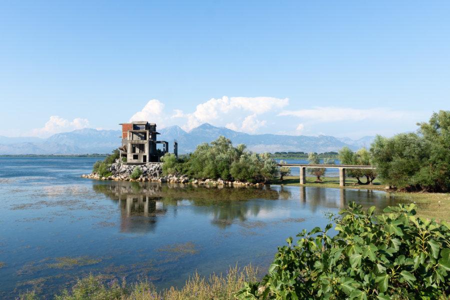 Lac de Shkodra en Albanie
