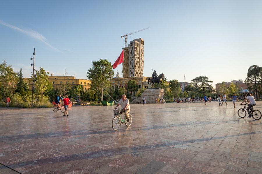 Place Skanderbeg à Tirana, Albanie