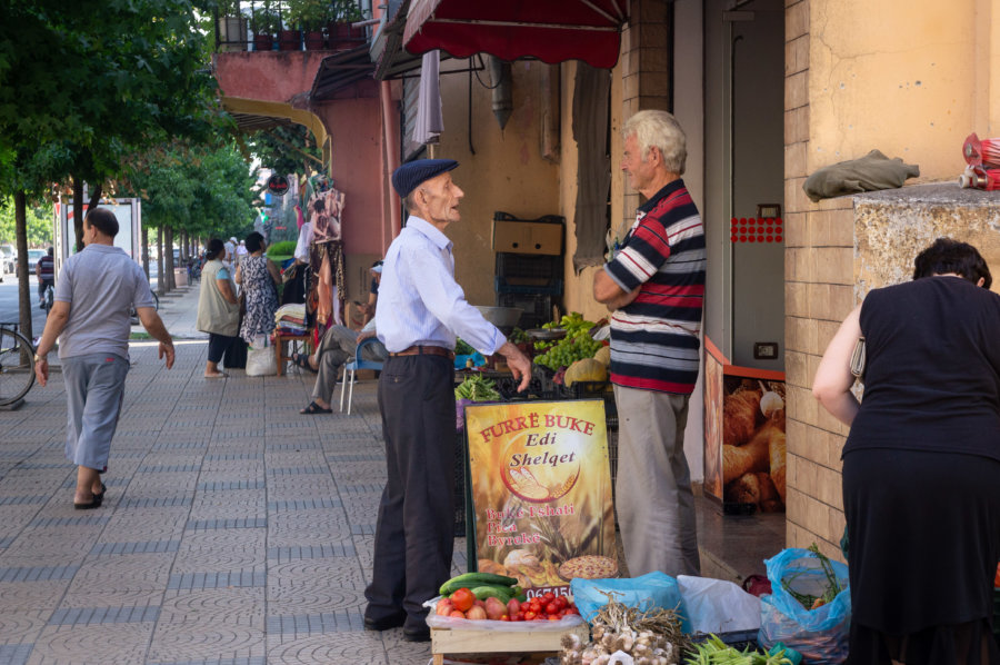 Scène de vie à Shkodër en Albanie
