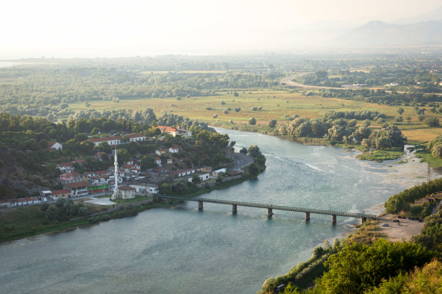 Fleuve Buna à Shkodra en Albanie