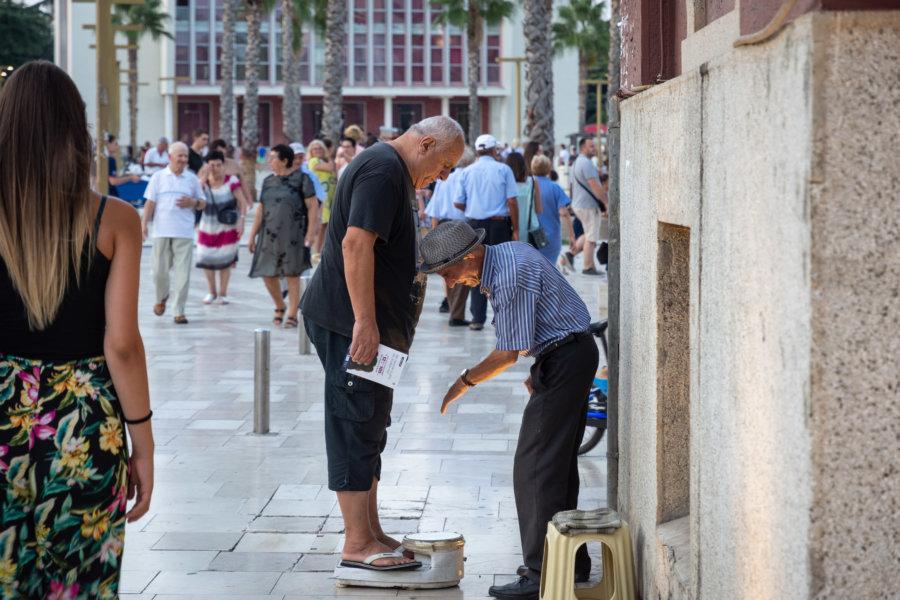 Balance de rue en Albanie