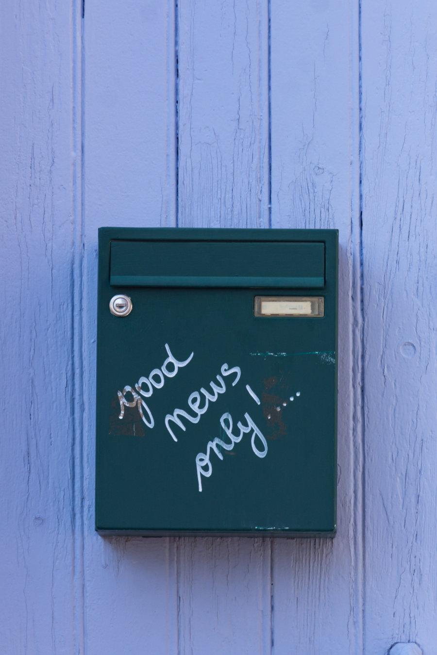 Boîte aux lettres positive