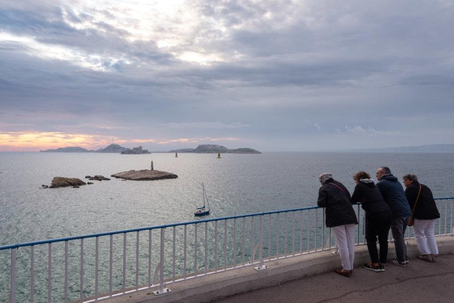 Coucher de soleil sur la Corniche à Marseille