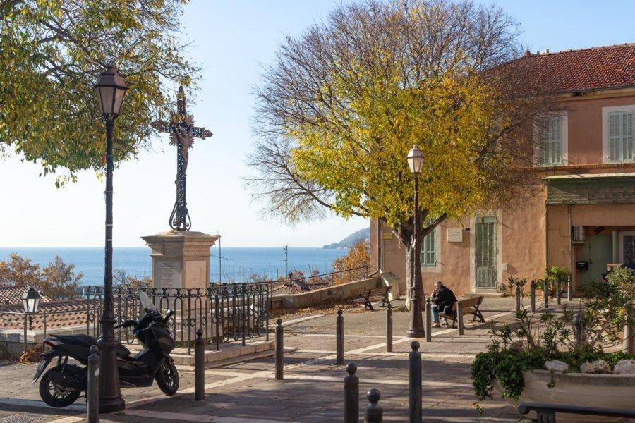 Placette devant l'église de l'Estaque
