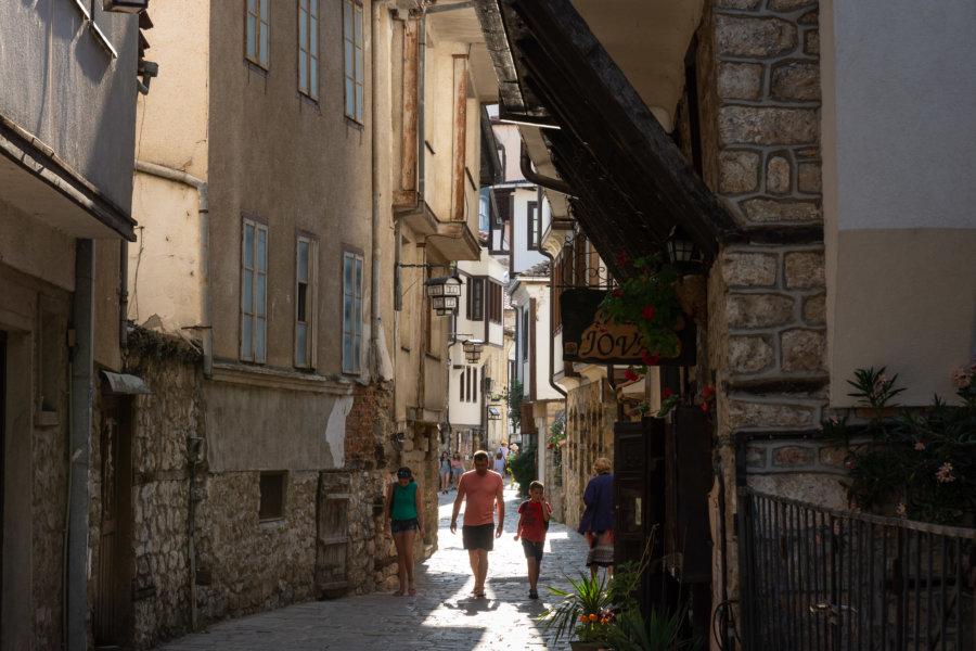 Rues anciennes dans la ville d'Ohrid