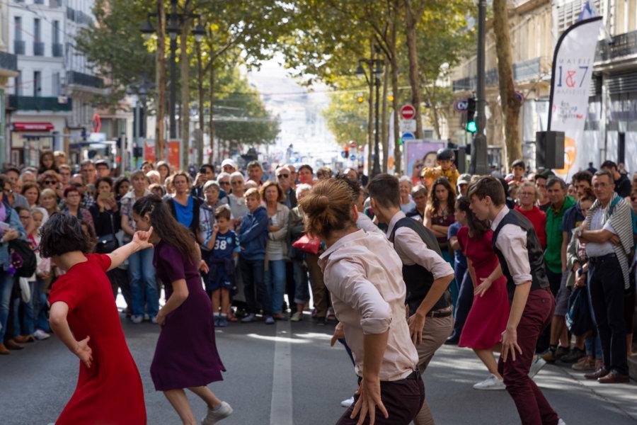 Spectacle de danse sur la Canebière