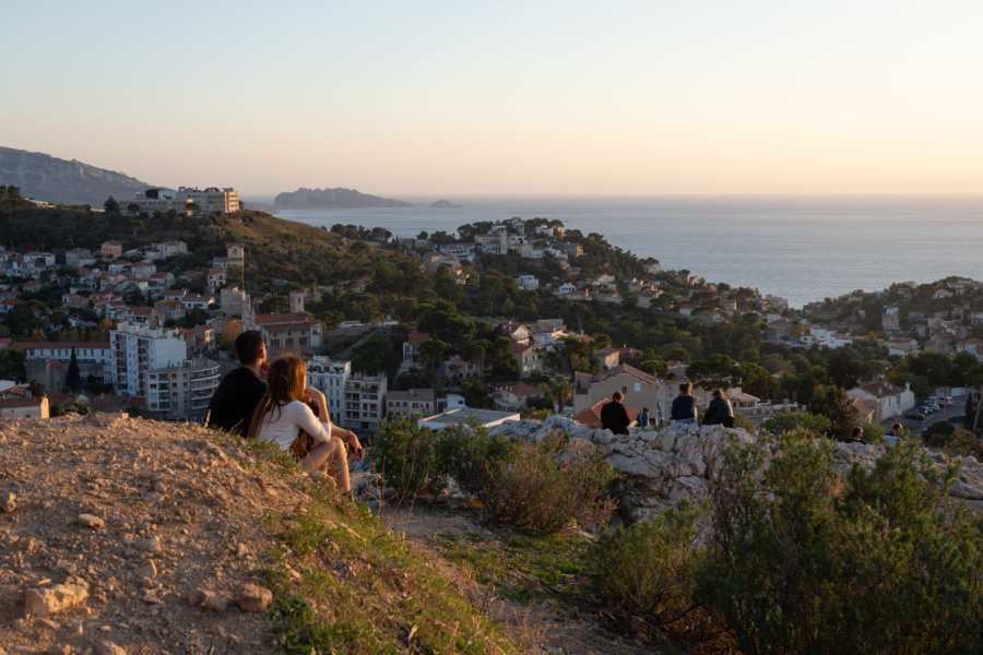 Belle vue sur Marseille au coucher du soleil