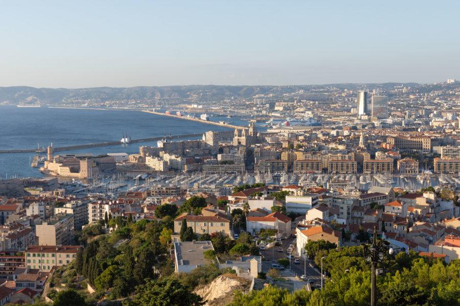Vue panoramique sur Marseille depuis la Bonne Mère