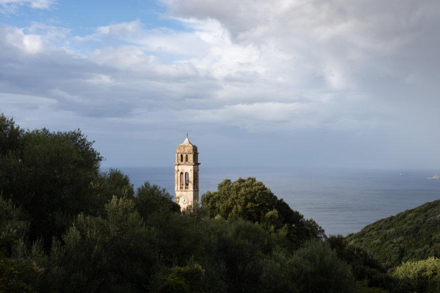 Cloche et montagnes, Cap Corse