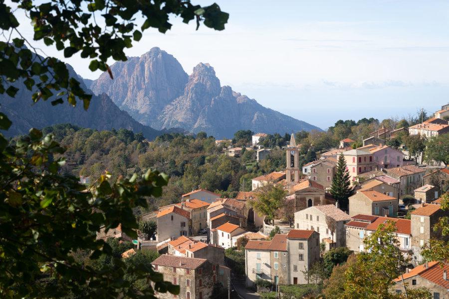 Evisa, village corse dans la montagne