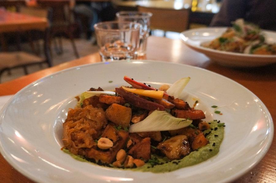 Plat vegan chez Mikala, restaurant marseillais