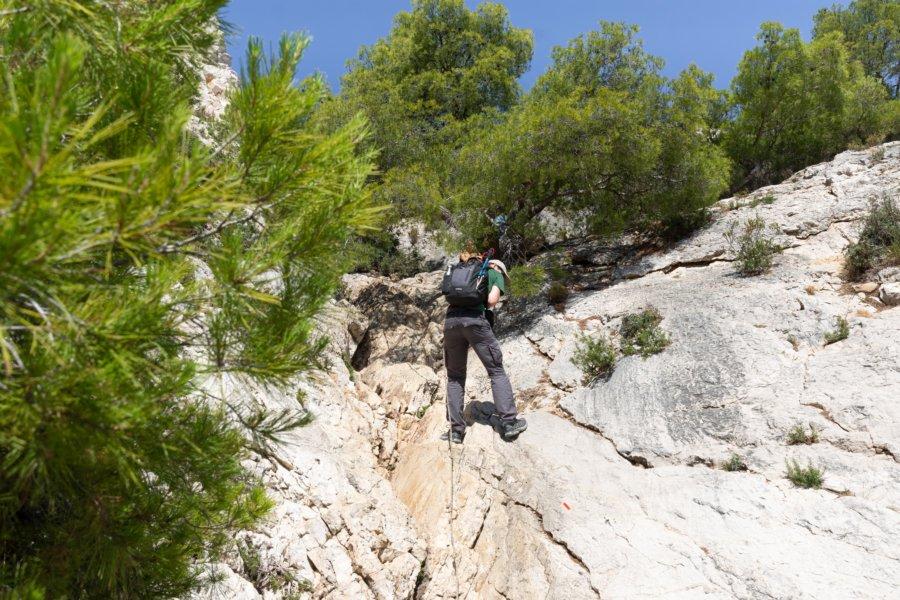 Randonnée à la corde dans les calanques de Marseille