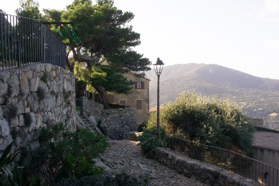 Sant'Antonino, village corse