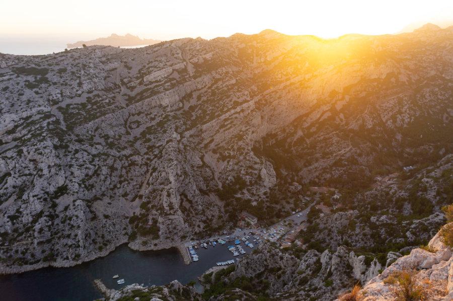 Calanque de Morgiou depuis Sugiton au coucher du soleil