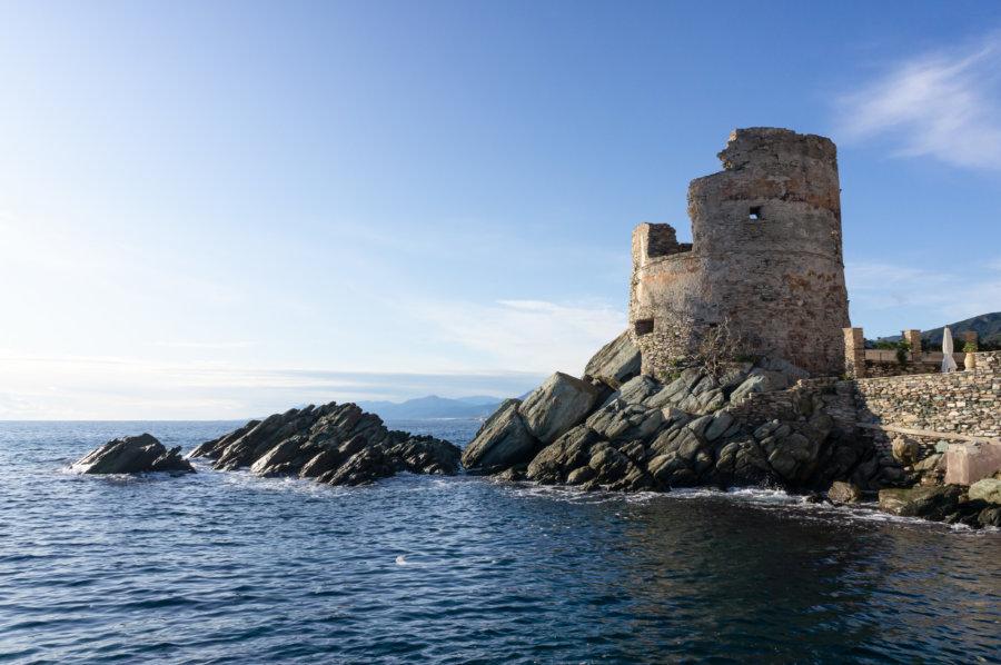 Tour genoise à Erbalunga, Cap Corse
