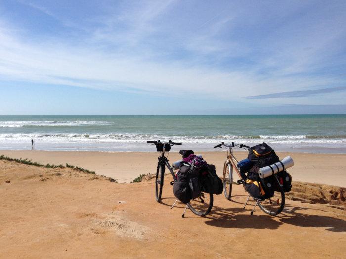 Voyage en vélo en Andalousie sur la plage