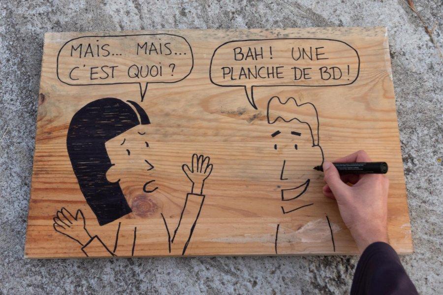 Dessin : planche de BD en bois