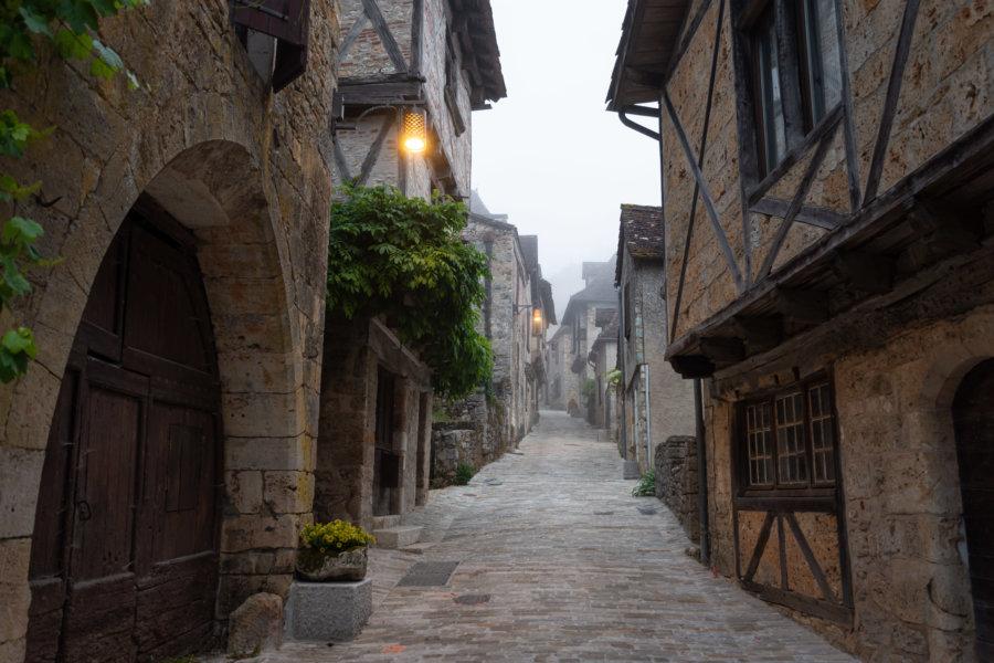 Visiter Saint-Cirq-Lapopie au petit matin