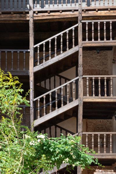 Vieil escalier à Cahors