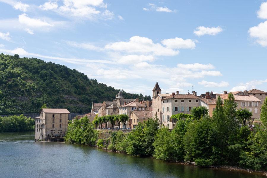 Vue sur Cahors au bord du fleuve Lot