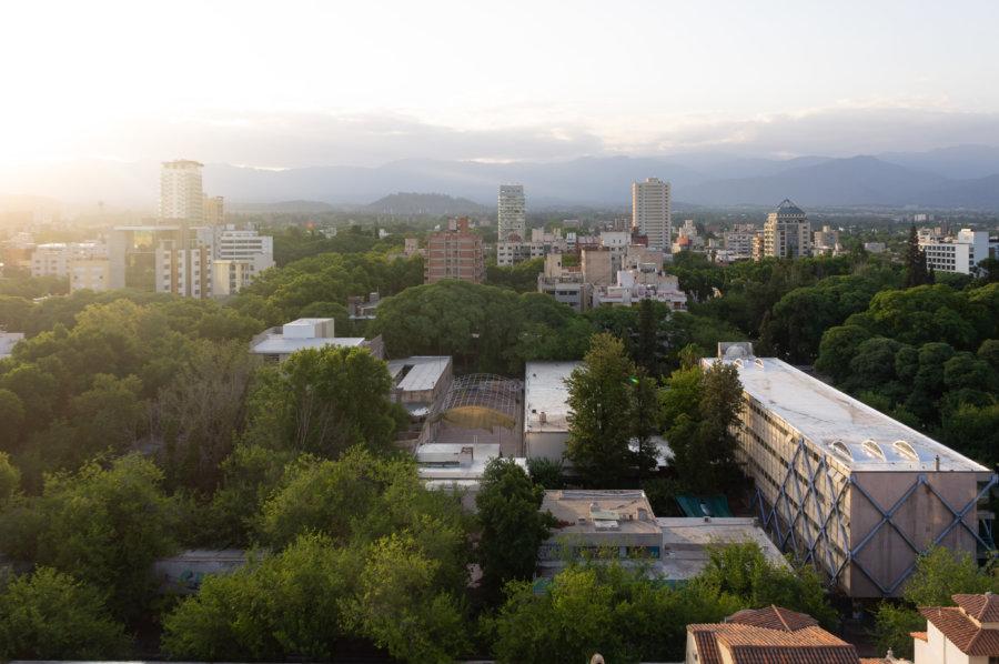 Mendoza en Argentine au coucher du soleil