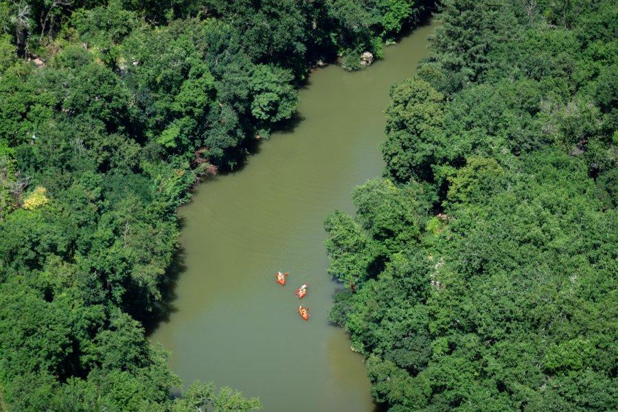 Kayak sur l'Aveyron entre Saint-Antonin-Noble-Val et Cazals