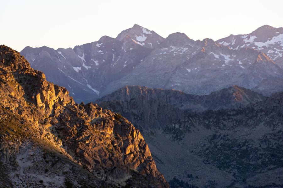 Coucher de soleil sur les sommets des Pyrénées