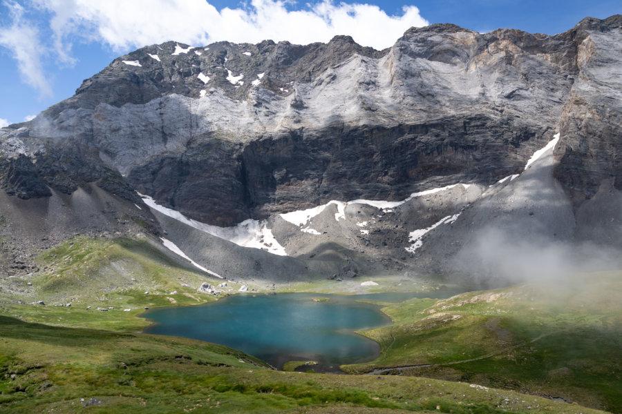 Lac de Barroude dans les Hautes-Pyrénées