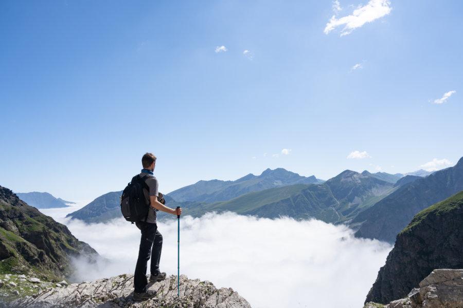 Randonnée au-dessus des nuages dans les Pyrénées