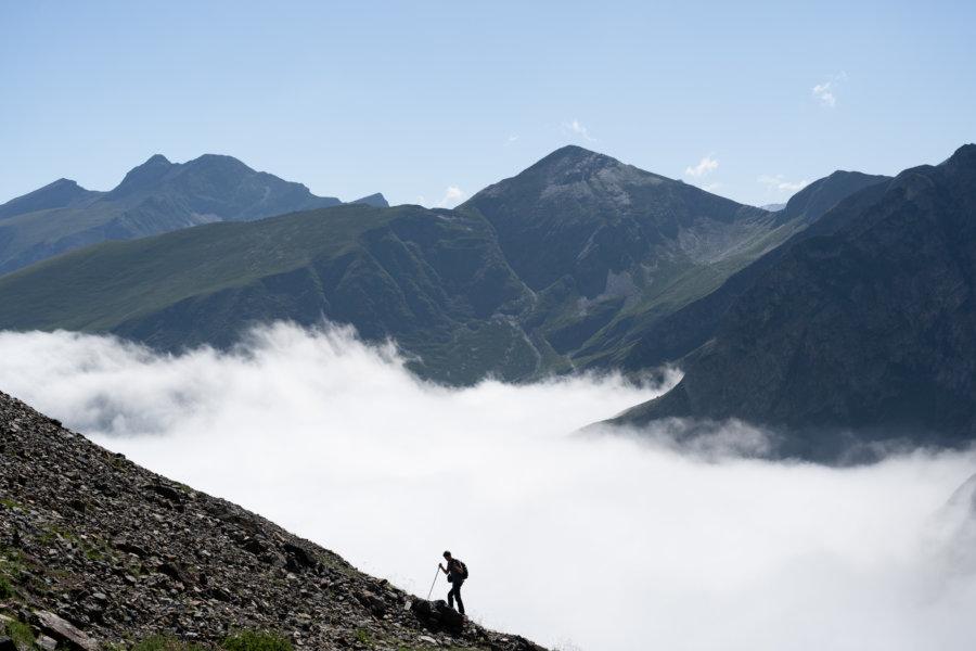 Randonnée vers le lac de Barroude, les Pyrénées l'été