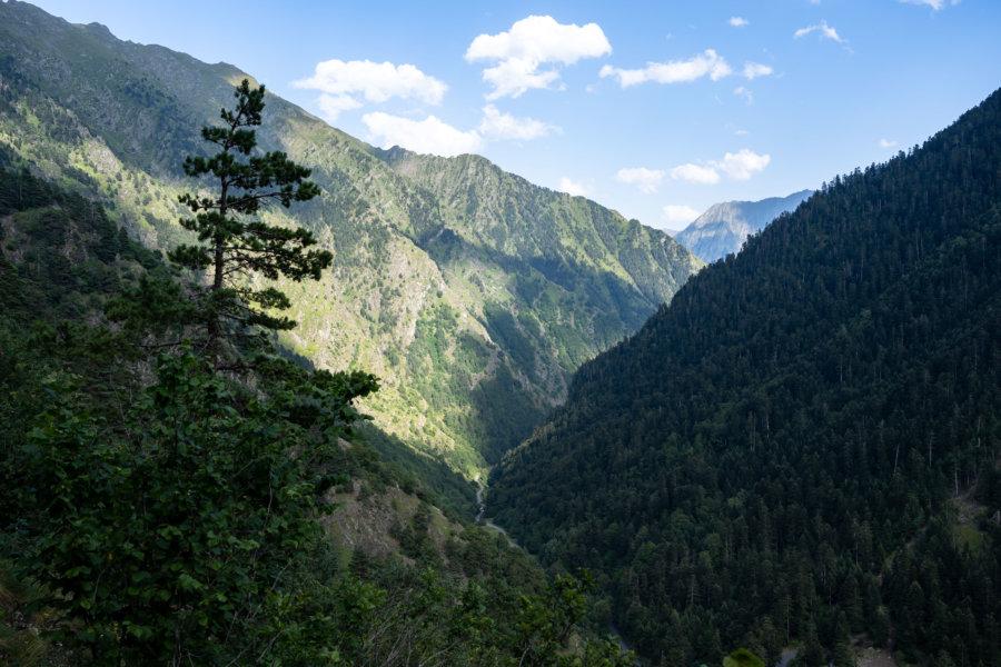 Randonnée vers le lac de l'Oule, montagne des Pyrénées