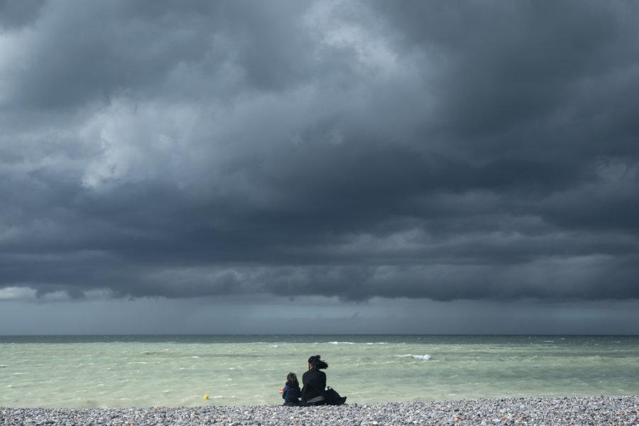 Ciel orageux à la mer en Normandie