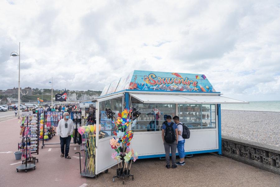 Boutique de souvenirs en bord de mer à Dieppe