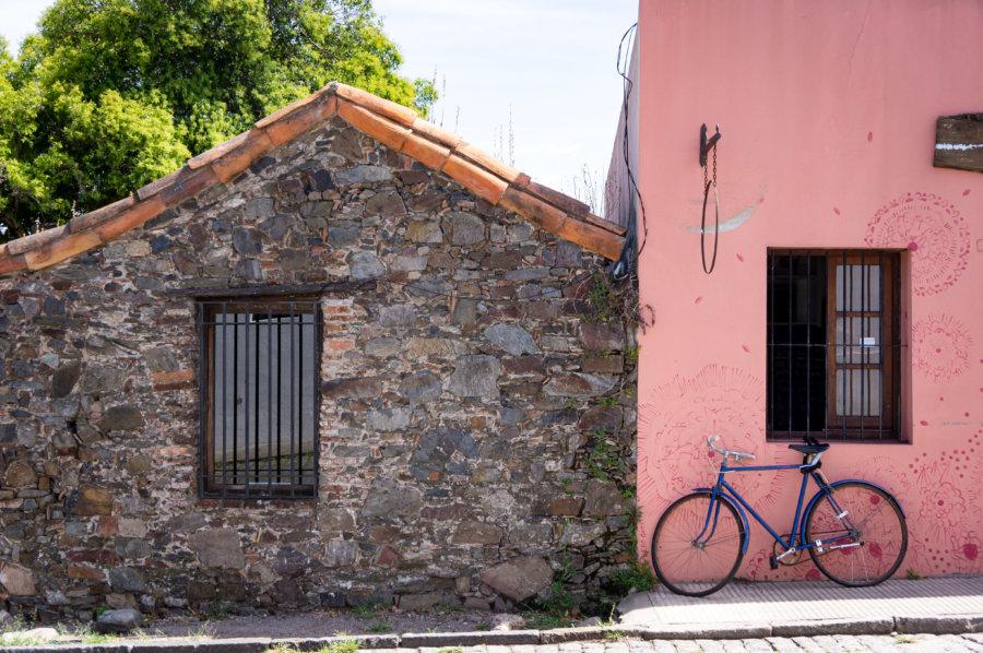 Rue de la ville de Colonia en Uruguay